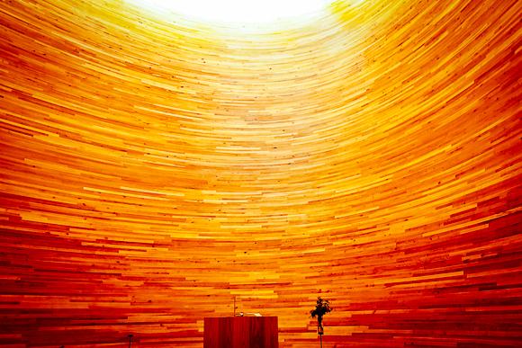 hiljaisuuden kappeli seinät valokuva helsinki tori