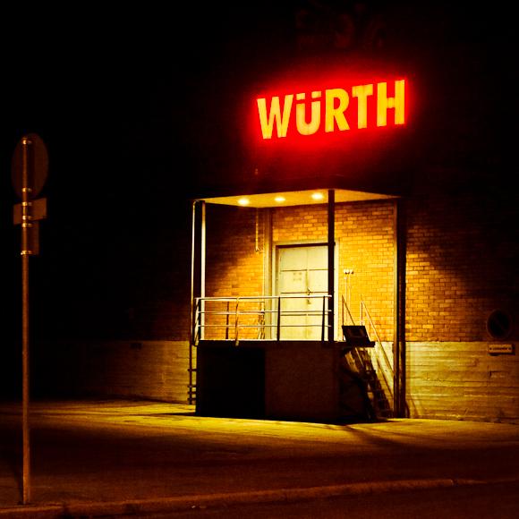 wurth helsinki neon valot