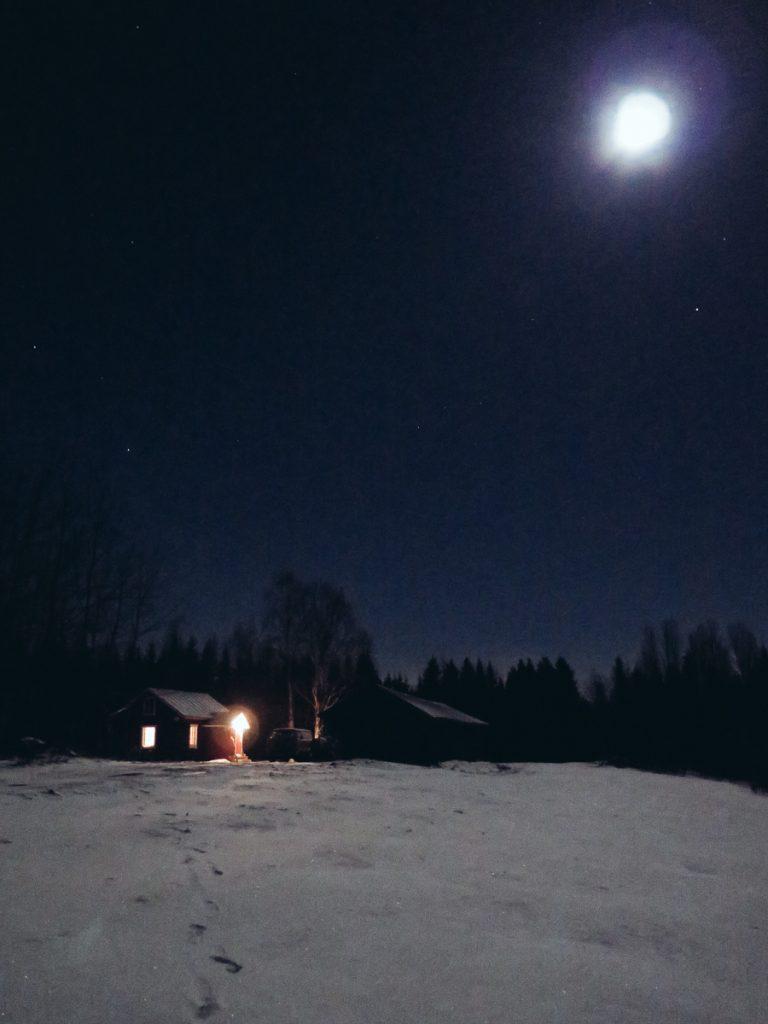joulu_yo_sotkamo_kainuu_christmas_night_liveauthentic_visit_finland