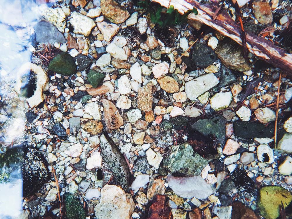 kirkas-vesi-puro-pure-clean-water-stream-lahde-noro – kopio