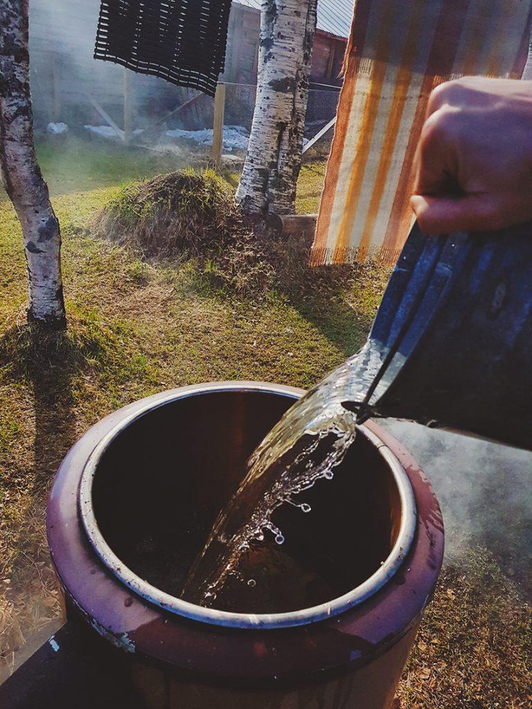 pesuvesi-vesi-tynnyri