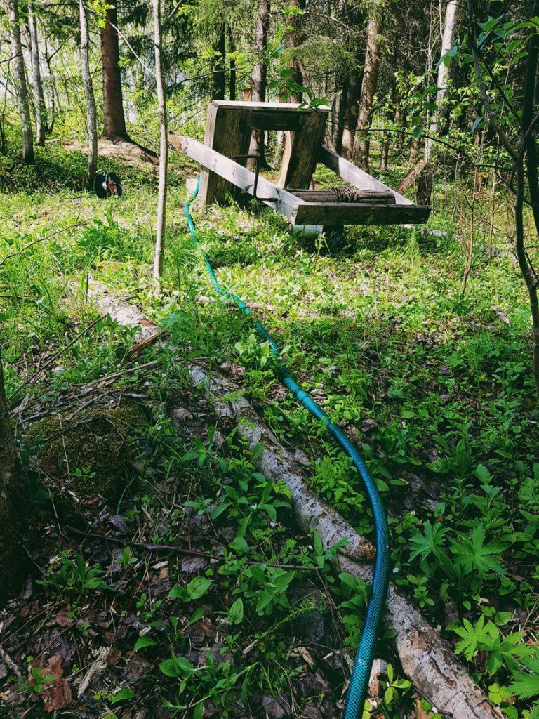 uppopumppu-rengaskaivo-puutarhaletku