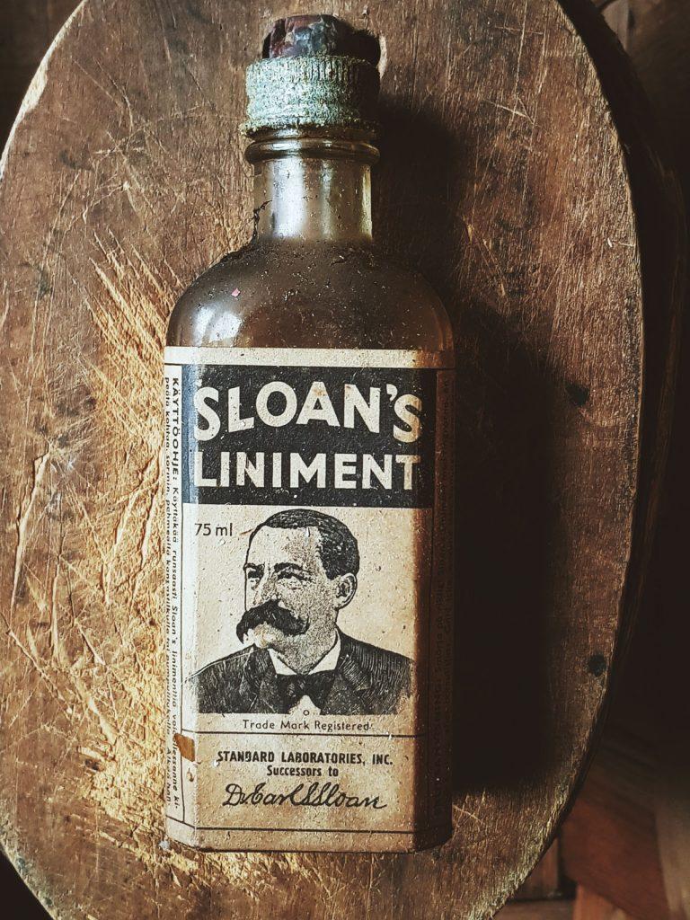 sloans-liniment-linimentti-pullo-retro-vintage-bottle